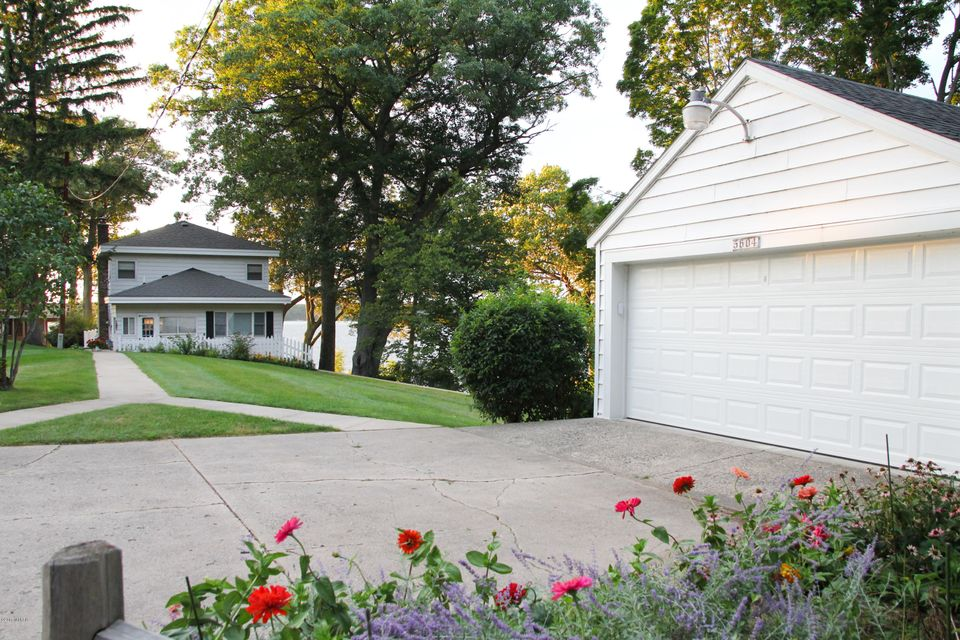 Single Family Home for Sale at 5604 South Shore Whitehall, Michigan 49461 United States