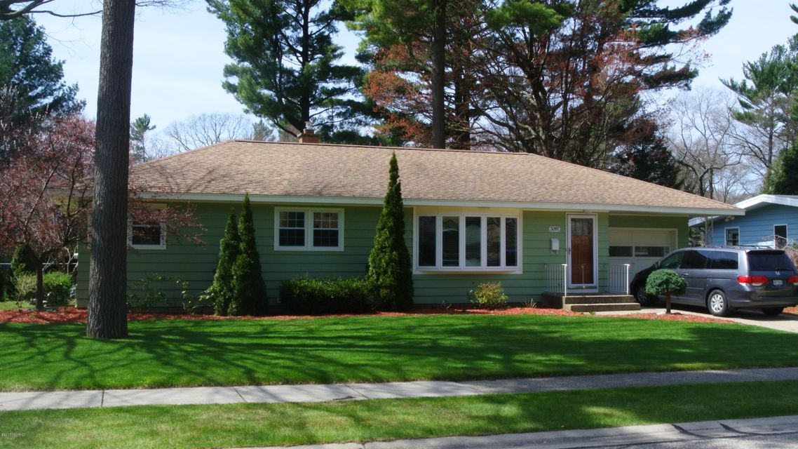 Single Family Home for Sale at 3097 Country Club Muskegon, Michigan 49441 United States