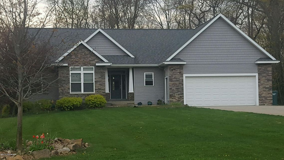 Single Family Home for Sale at 13321 Trail Creek Pass Coopersville, Michigan 49404 United States