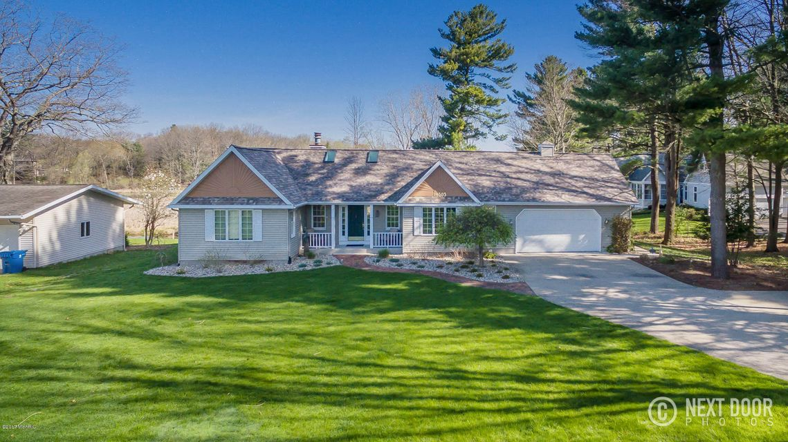 Single Family Home for Sale at 14303 Garfield Spring Lake, Michigan 49456 United States