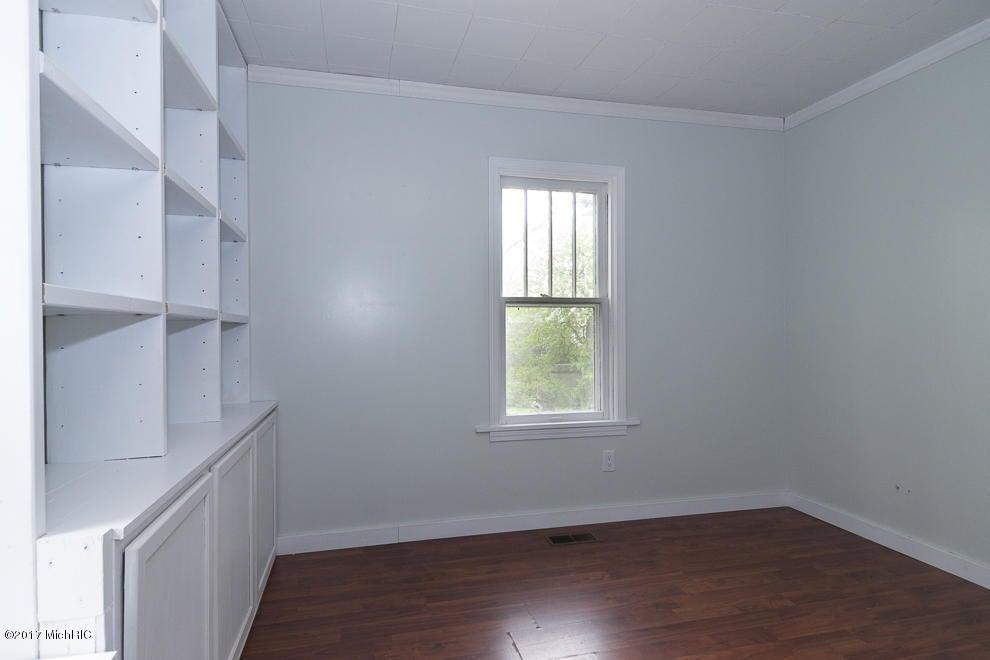 2416 outlook street kalamazoo mi 49001 sold listing for Hardwood floors kalamazoo