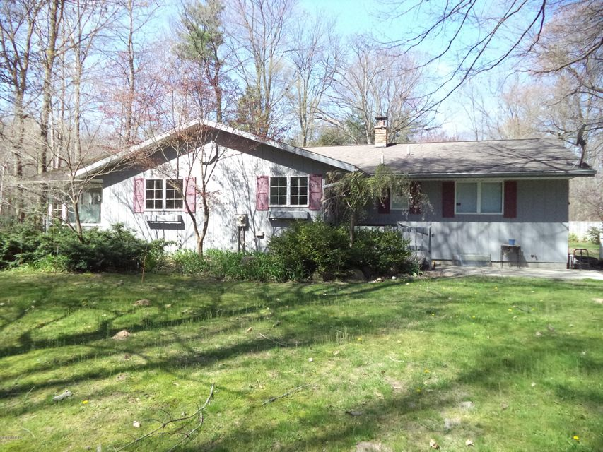 Single Family Home for Sale at 6131 Stringer Fruitport, Michigan 49415 United States