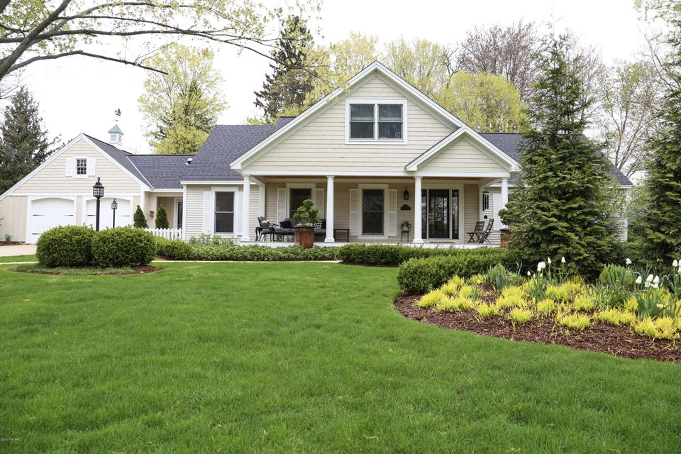 Single Family Home for Sale at 540 Francis Saugatuck, Michigan 49453 United States