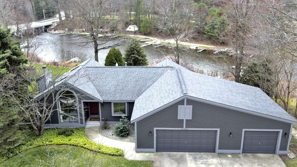 Single Family Home for Sale at 16324 Highland Spring Lake, Michigan 49456 United States
