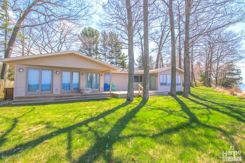 Single Family Home for Sale at 2553 Scenic Muskegon, Michigan 49445 United States
