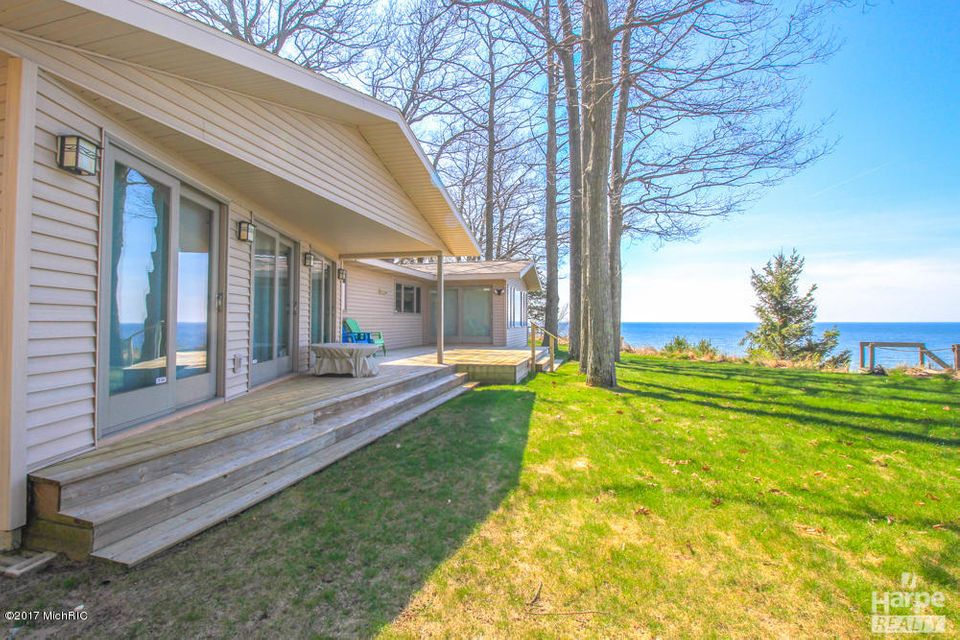 Additional photo for property listing at 2553 Scenic  Muskegon, Michigan 49445 United States