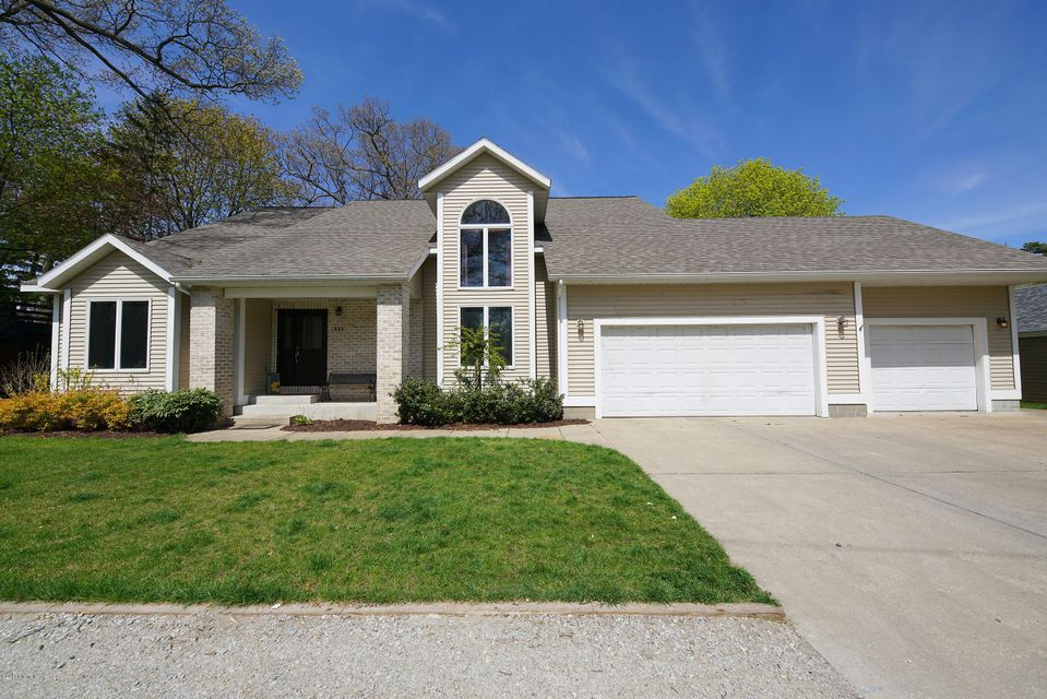 Single Family Home for Sale at 442 Melody 442 Melody North Muskegon, Michigan 49445 United States