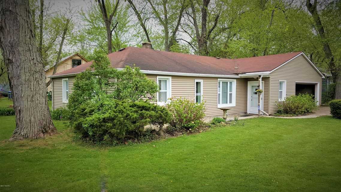 Single Family Home for Sale at 8274 Pokagon Watervliet, Michigan 49098 United States