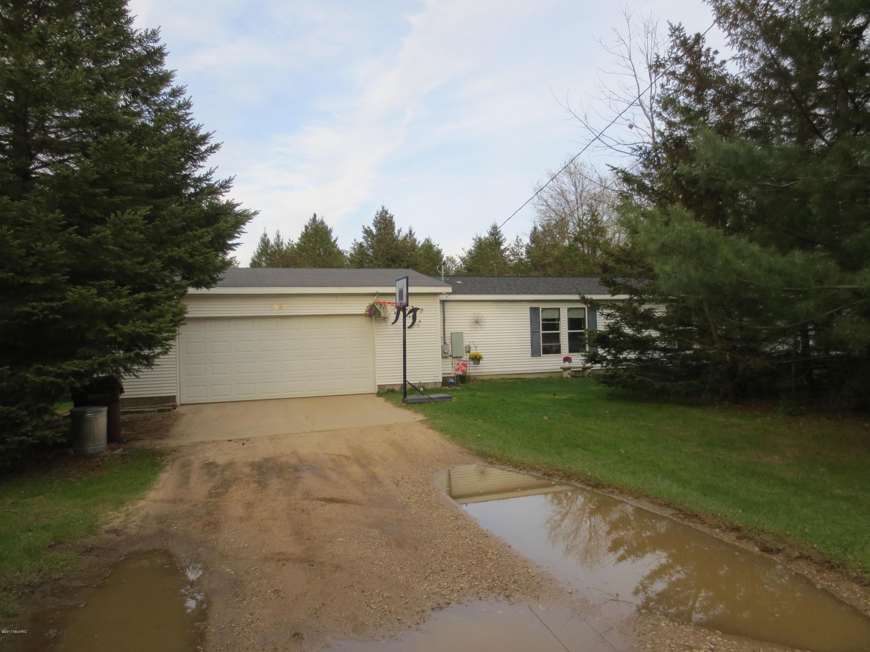 Single Family Home for Sale at 1560 Sullivan Ravenna, Michigan 49451 United States
