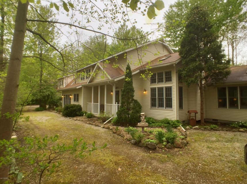 Single Family Home for Sale at 9177 Shady Lakeside, Michigan 49116 United States