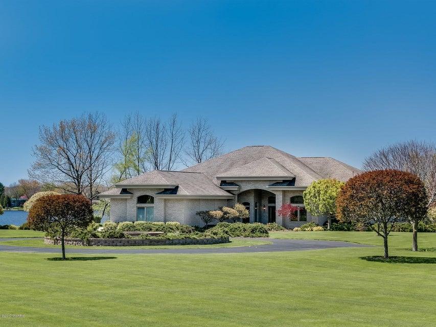 Single Family Home for Sale at 1112 El Camino Grande Drive Lake Isabella, Michigan 48893 United States