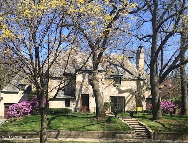 Single Family Home for Sale at 976 Cambridge East Grand Rapids, Michigan 49506 United States