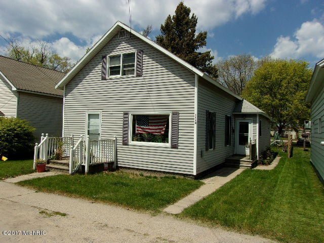 Single Family Home for Sale at 1114 Twenty First 1114 Twenty First Manistee, Michigan 49660 United States
