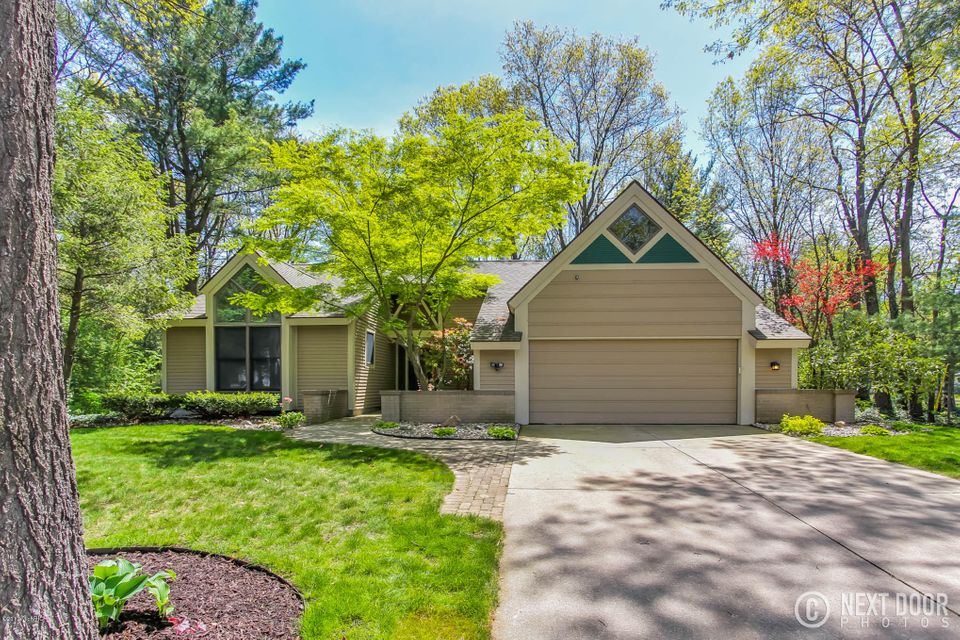 Single Family Home for Sale at 16240 Baird Spring Lake, Michigan 49456 United States