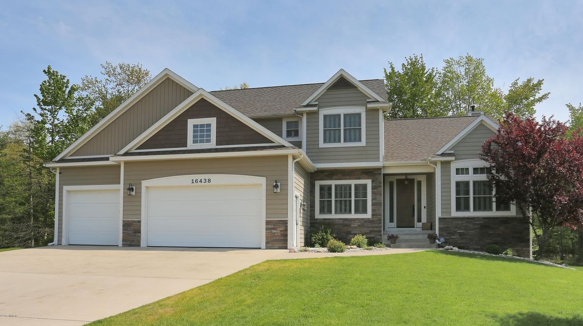Single Family Home for Sale at 16438 West Willow Spring Lake, Michigan 49456 United States