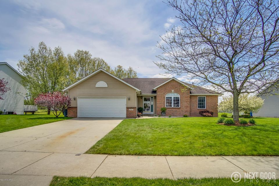 Single Family Home for Sale at 222 Creekside Coopersville, Michigan 49404 United States