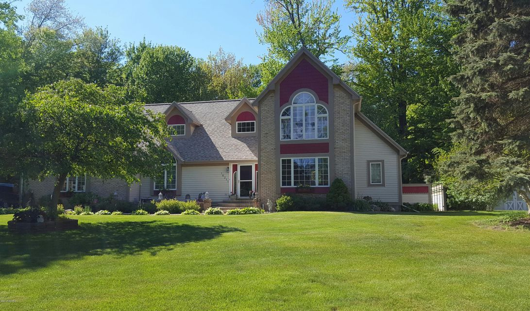 Single Family Home for Sale at 16211 Suffolk 16211 Suffolk Spring Lake, Michigan 49456 United States
