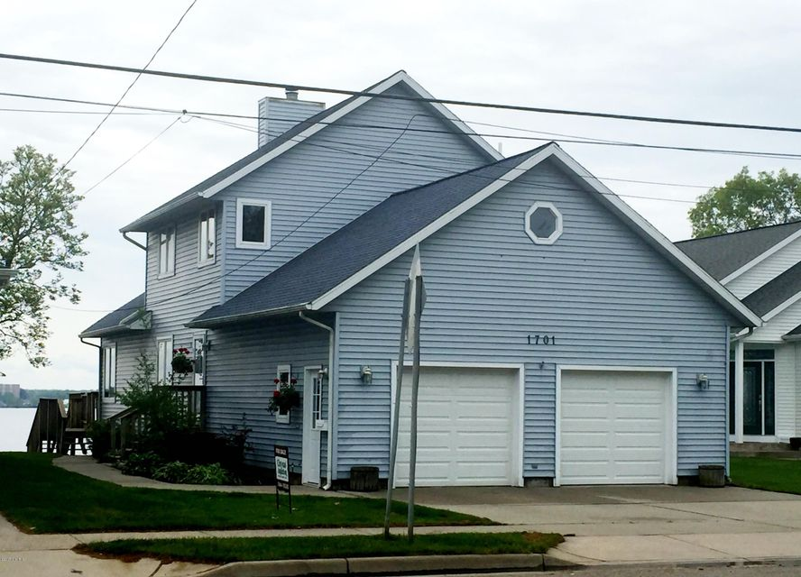 Single Family Home for Sale at 1701 Ruddiman North Muskegon, Michigan 49445 United States