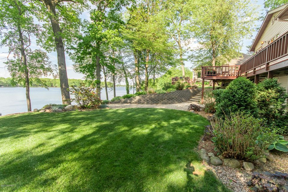 24476 Butternut Court , Sturgis, MI 49091 Photo 4