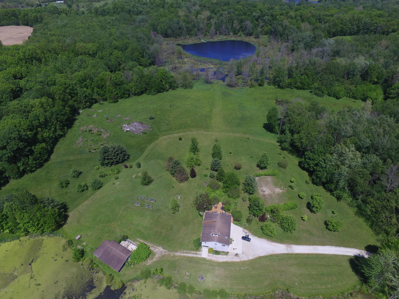 Farm / Ranch / Plantation for Sale at 373 Elm Valley Buchanan, Michigan 49107 United States
