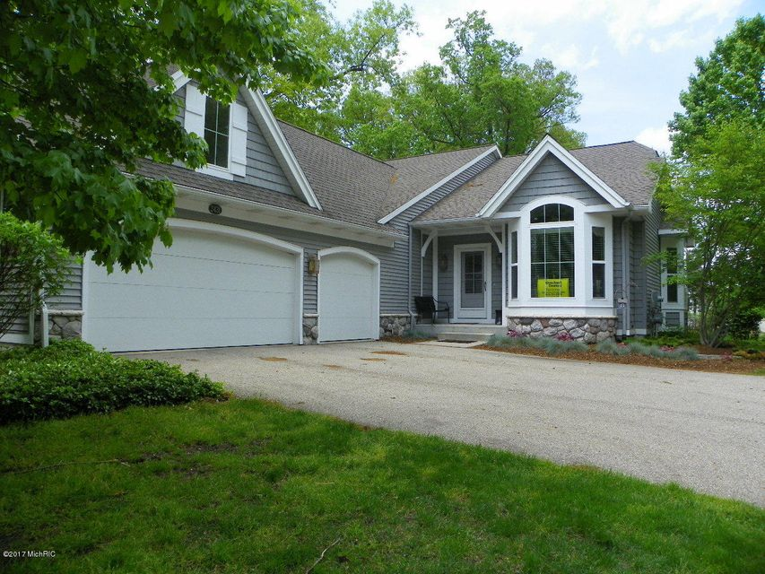 Single Family Home for Sale at 2431 Summit Ridge Grand Rapids, Michigan 49505 United States