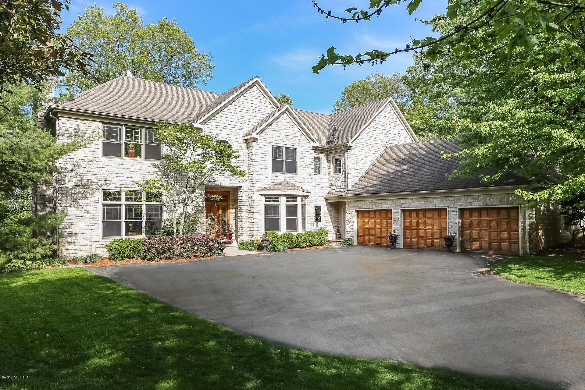 Single Family Home for Sale at 5069 Mountain Ridge Ada, Michigan 49301 United States