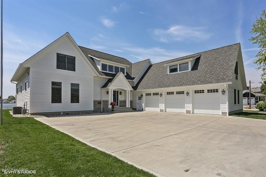 Single Family Home for Sale at 1338 Lakeside Street La Porte, Indiana 46350 United States