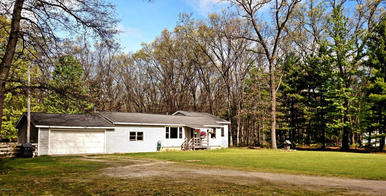 Single Family Home for Sale at 337 Campbell Fountain, Michigan 49410 United States