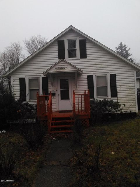 784 WAUCEDA Avenue, Benton Harbor, MI 49022