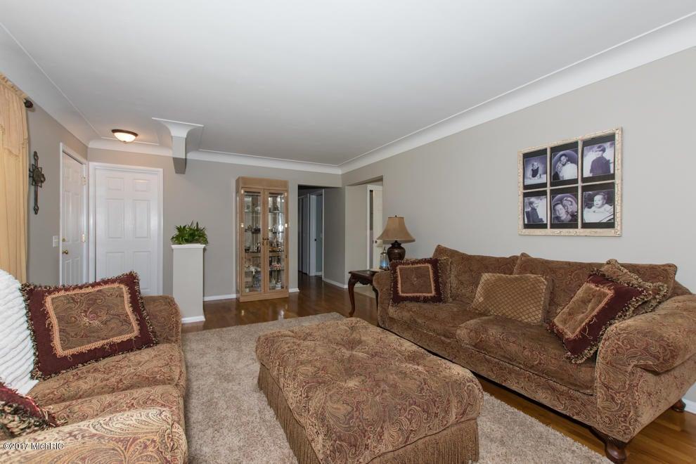 3227 olney street kalamazoo mi 49006 mls 17025797 for Hardwood floors kalamazoo