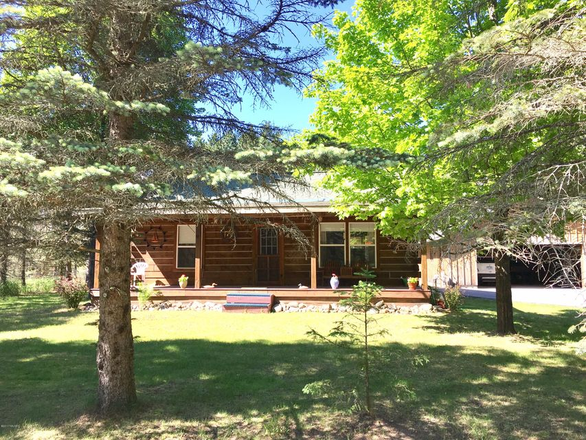 Single Family Home for Sale at 14168 Cart Brethren, Michigan 49619 United States