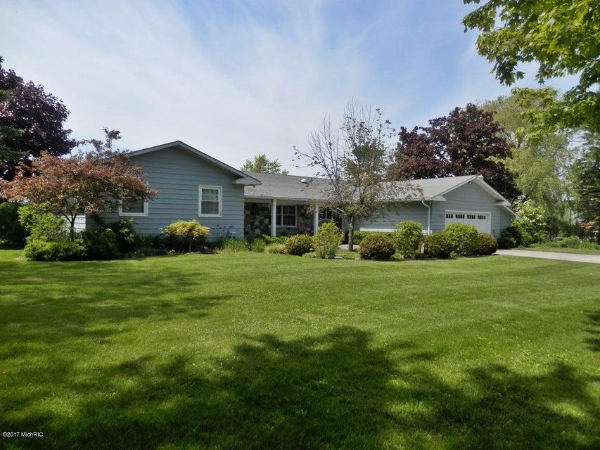 独户住宅 为 销售 在 1806 Surfside Manistee, 密歇根州 49660 美国