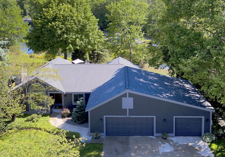 Single Family Home for Sale at 16324 Highland 16324 Highland Spring Lake, Michigan 49456 United States