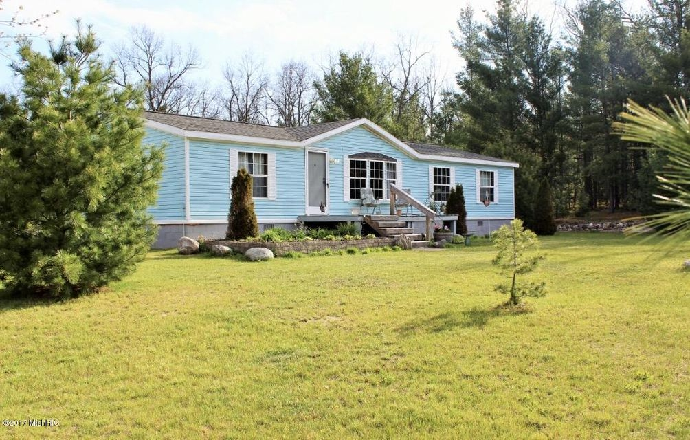 Single Family Home for Sale at 15626 Steinberg Wellston, Michigan 49689 United States