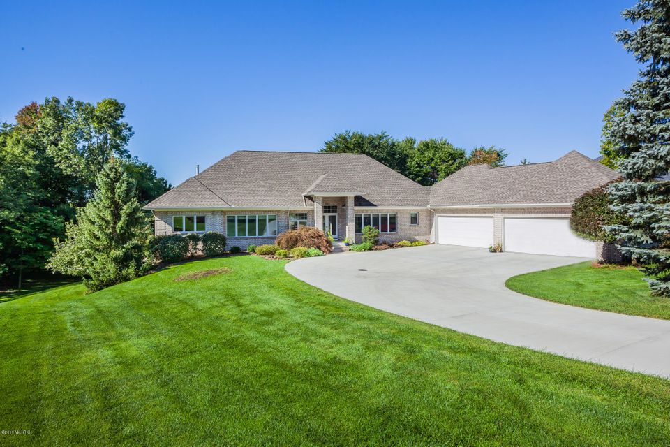 Single Family Home for Sale at 2322 Cascade Lakes Grand Rapids, Michigan 49546 United States