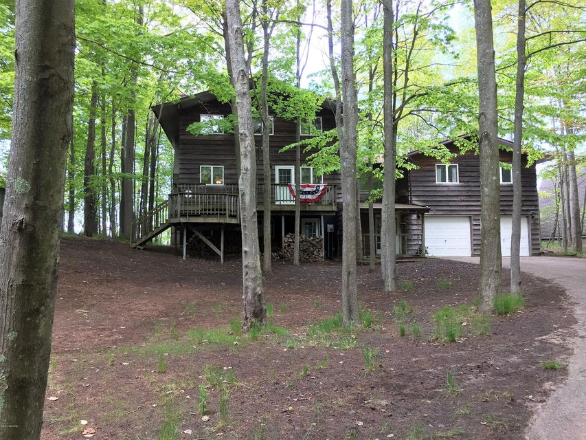 Single Family Home for Sale at 4724 Fox Farm 4724 Fox Farm Manistee, Michigan 49660 United States