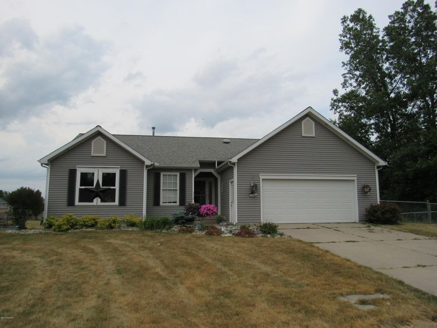 Single Family Home for Sale at 665 Fieldstone Coopersville, Michigan 49404 United States