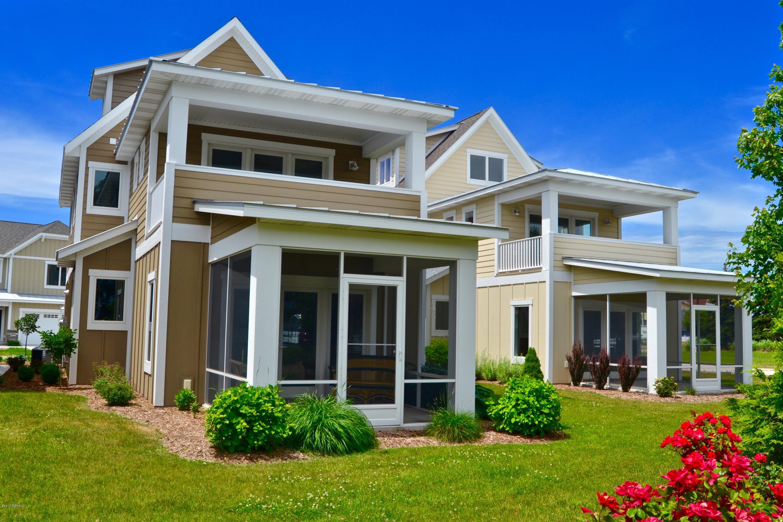 Single Family Home for Sale at 920 Savidge Spring Lake, Michigan 49456 United States