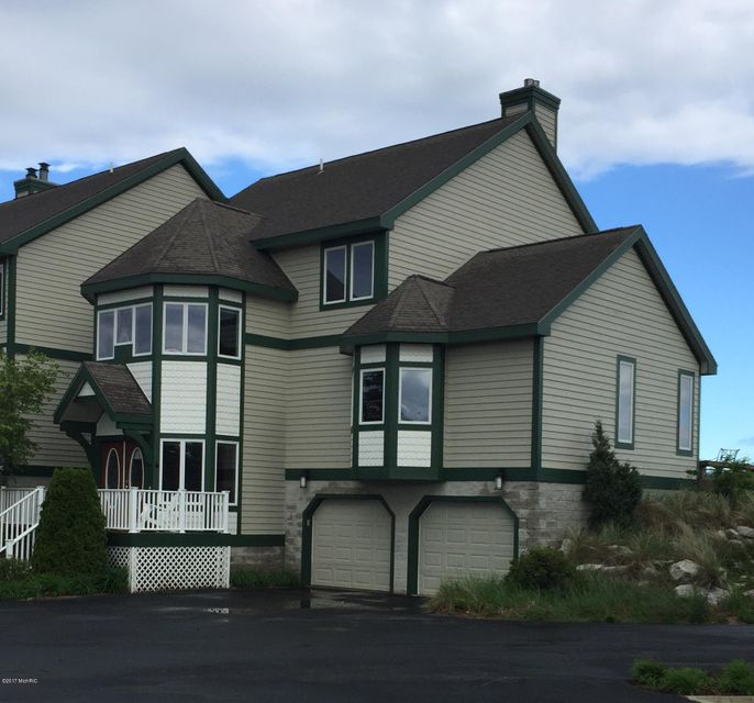 Single Family Home for Sale at 262 Lakeshore Manistee, Michigan 49660 United States