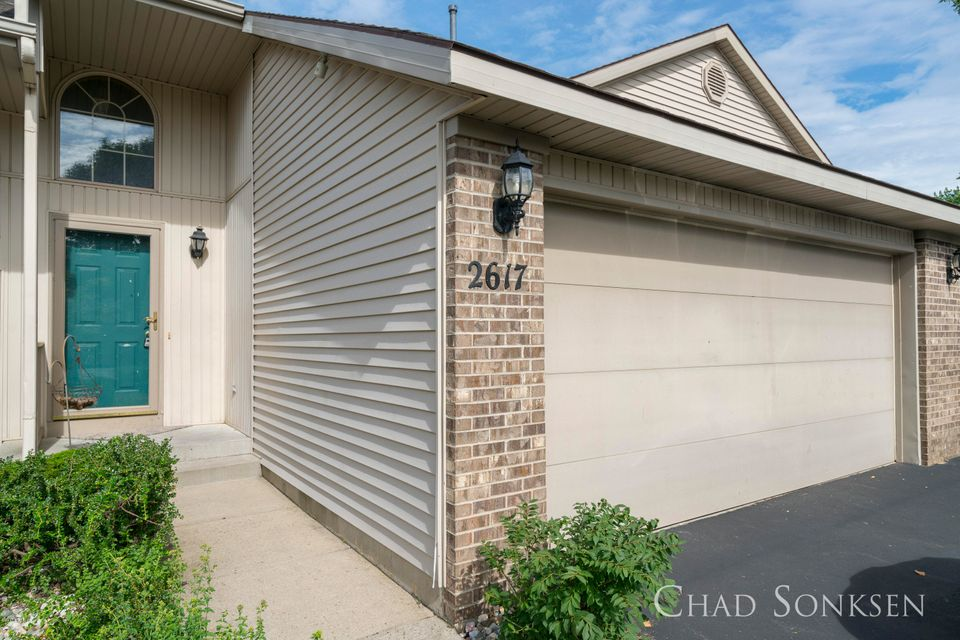 Single Family Home for Sale at 2617 Highland View Grand Rapids, Michigan 49506 United States