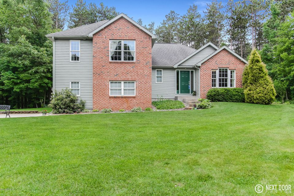 Single Family Home for Sale at 4415 Hilton Park Fruitport, Michigan 49415 United States