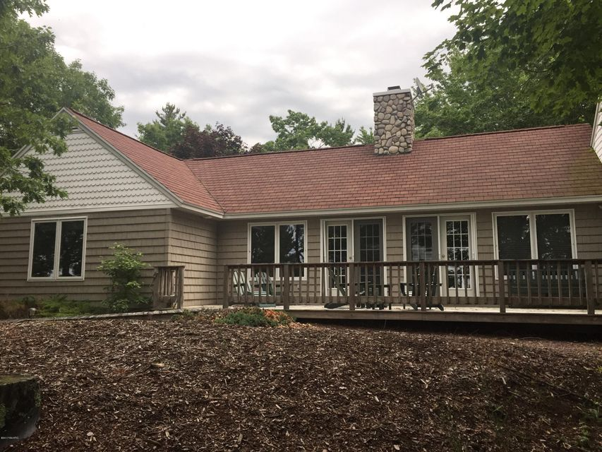 Single Family Home for Sale at 10030 Ivanhoe 10030 Ivanhoe Onekama, Michigan 49675 United States