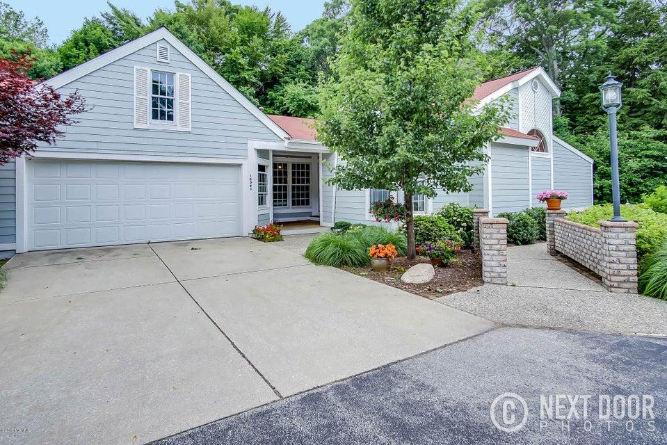 独户住宅 为 销售 在 16923 Landing 16923 Landing 斯普林莱克, 密歇根州 49456 美国