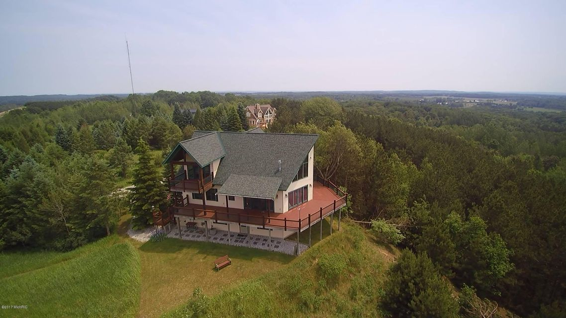 Farm / Ranch / Plantation for Sale at 6411 9 Mile 6411 9 Mile Onekama, Michigan 49675 United States