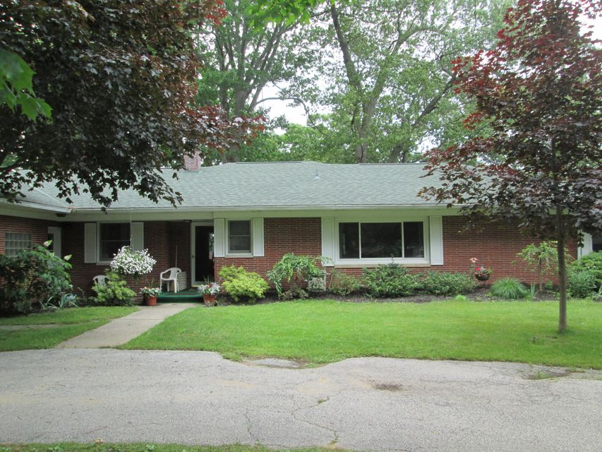 Single Family Home for Sale at 182 Bear Lake Muskegon, Michigan 49445 United States