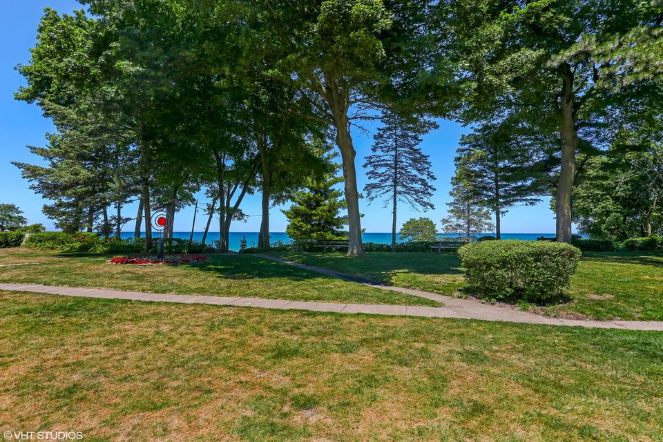 Single Family Home for Sale at 15860 Lakeshore Union Pier, Michigan 49129 United States