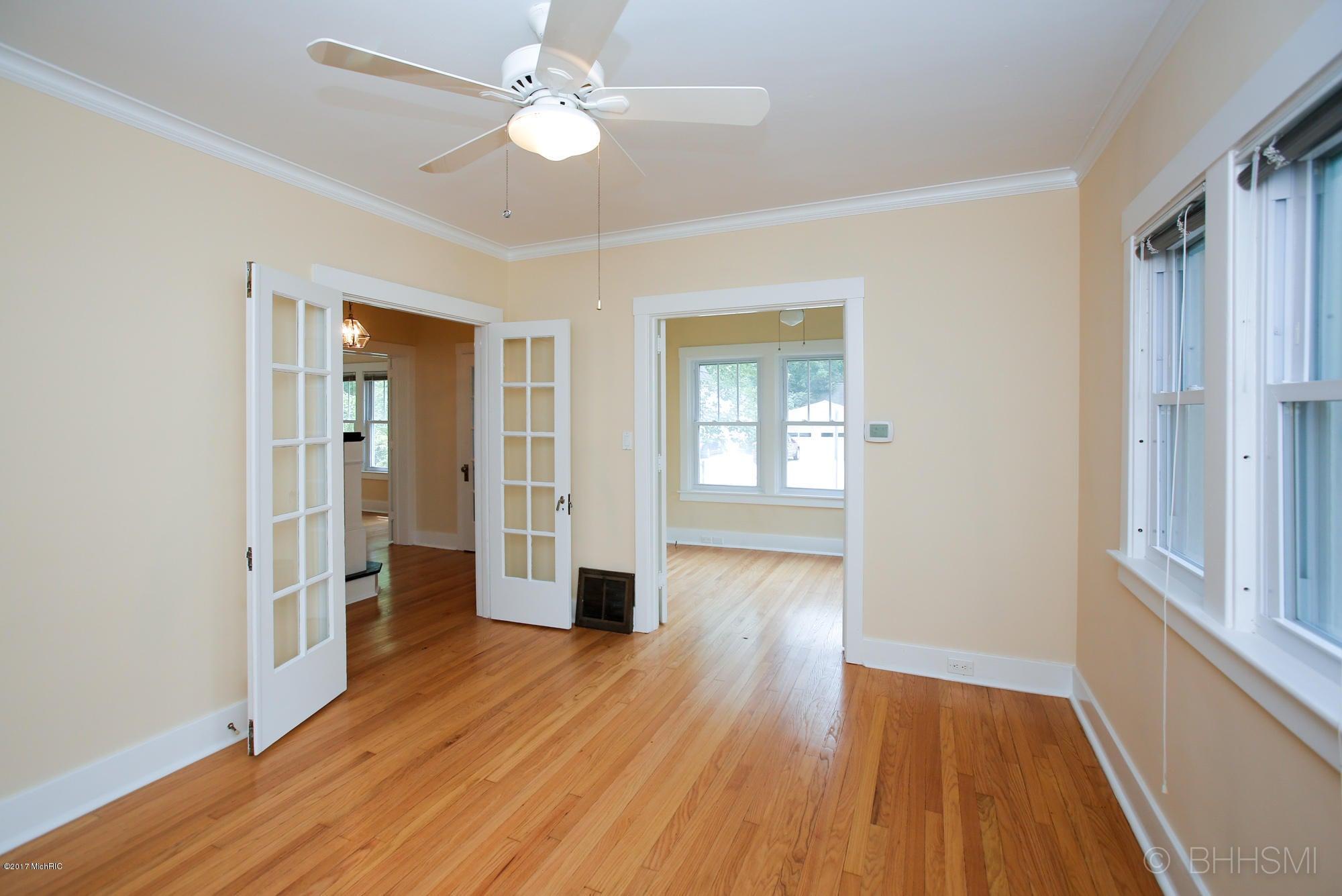 614 inkster avenue kalamazoo mi 49008 mls 17031682 for Hardwood floors kalamazoo