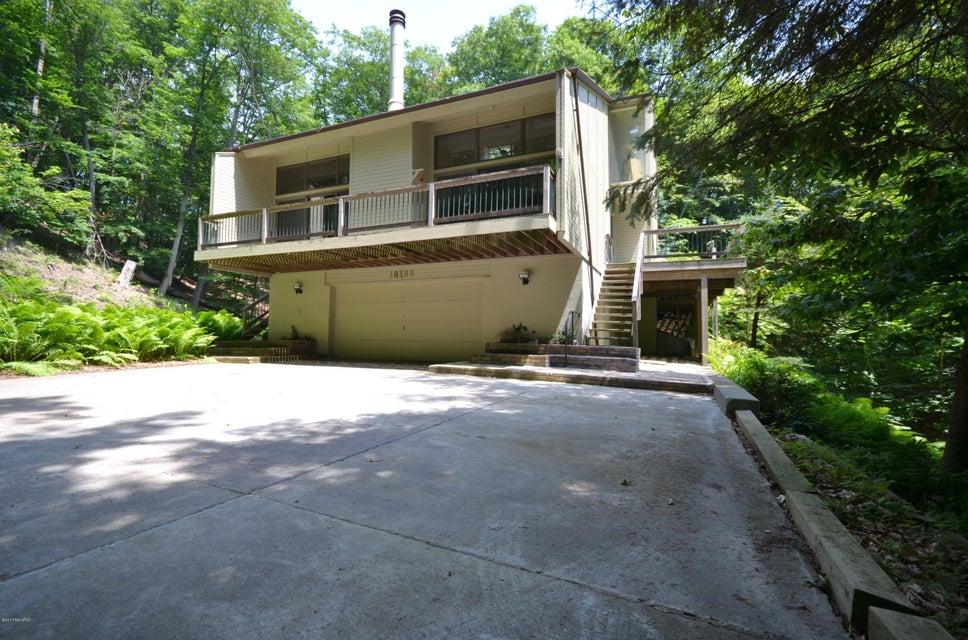 Single Family Home for Sale at 18180 NORTH SHORE ESTATES 18180 NORTH SHORE ESTATES Spring Lake, Michigan 49456 United States