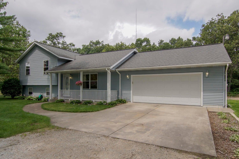 Single Family Home for Sale at 1682 Lakewood 1682 Lakewood Twin Lake, Michigan 49457 United States