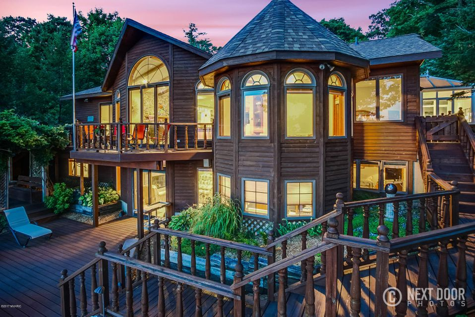独户住宅 为 销售 在 9007 Lakeshore 9007 Lakeshore 西奥利弗, 密歇根州 49460 美国